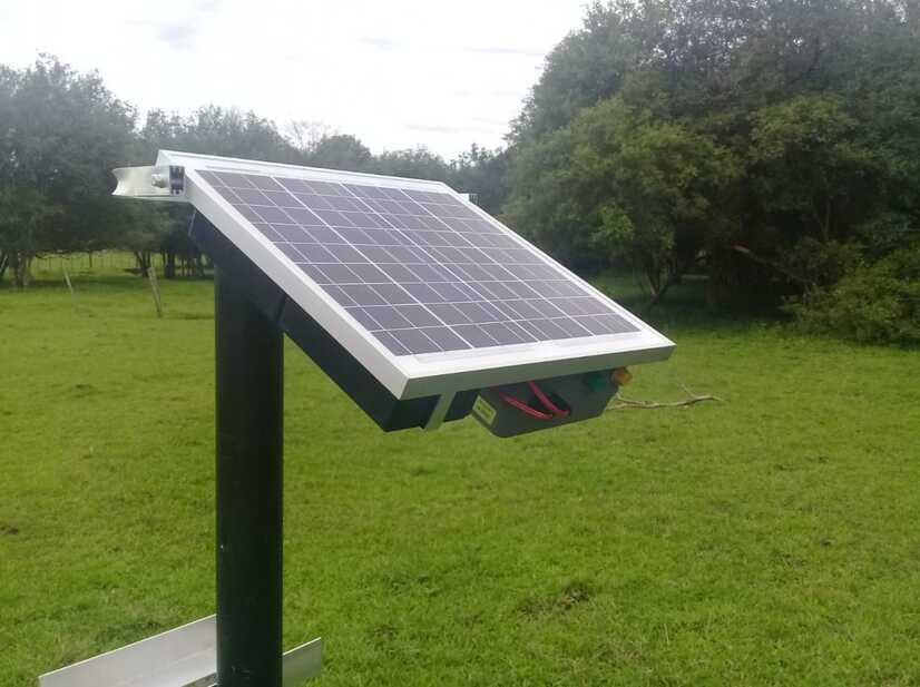 Um exemplo de cercas elétricas com energia solar